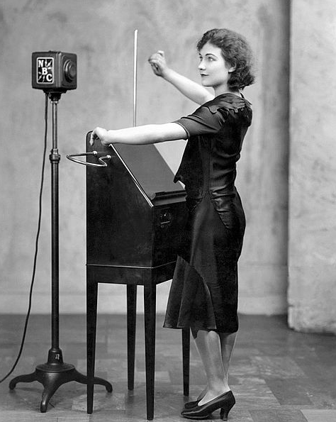 theremin_in_concert